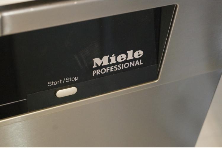 Profesionální myčka Miele PG8080 na volné postavení