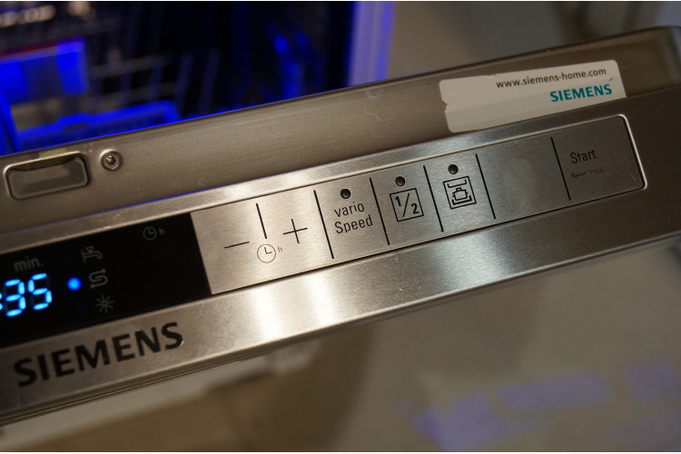 Siemens nerezová vestavná myčka SN56T592EU